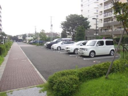 三鷹台団地>駐車場