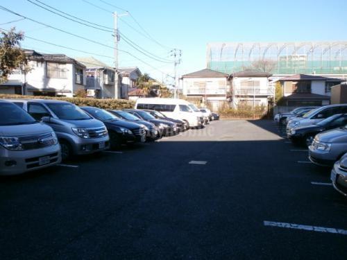 クリケットヒル富ヶ谷>駐車場