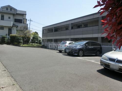 ルミナス成城>駐車場