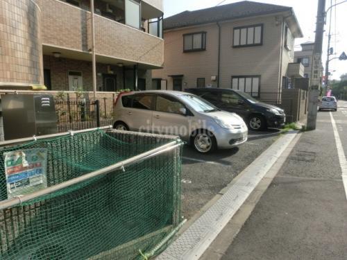 パインコート>駐車場