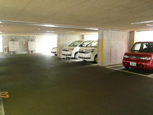 フォンテーヌ綱島>駐車場