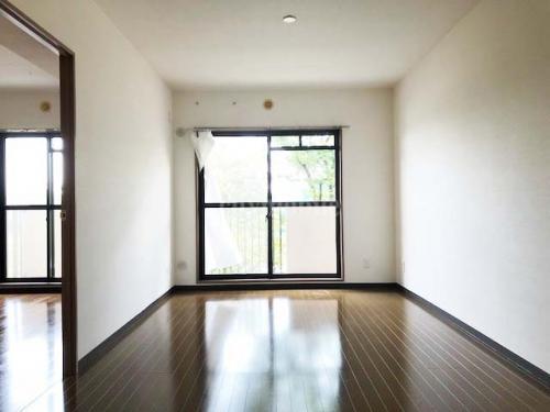コーポレート竹の塚五丁目>リビング