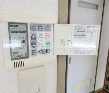 ヴィラ・バルビゾン>床暖房コントローラー