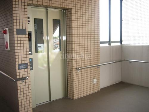 プリマベーラ向山>エレベーター