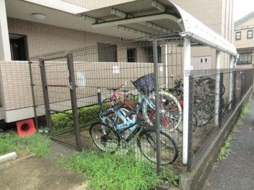 グランディール>駐輪場