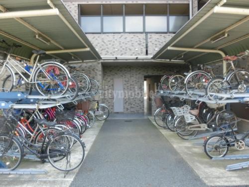 リバーサイド・ヴィラ>駐輪場