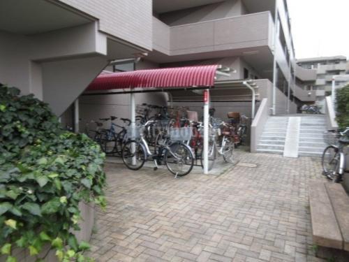 クレアージュ大倉山>駐輪場