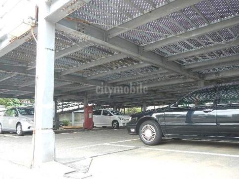 シャトーサンハイム>駐車場
