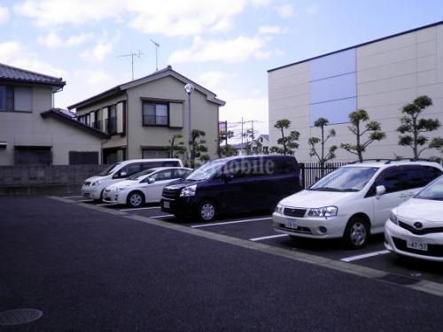 ドゥ―ブル水元>駐車場