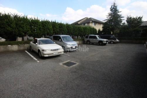 ヴェルセ用賀>駐車場