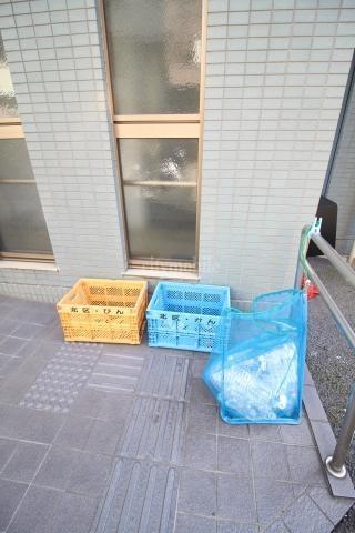 ファミールコジマ>ゴミ置き場