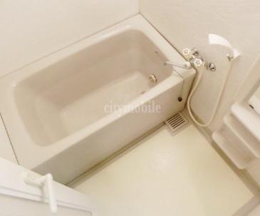 ヴィラ・バルビゾン>浴室