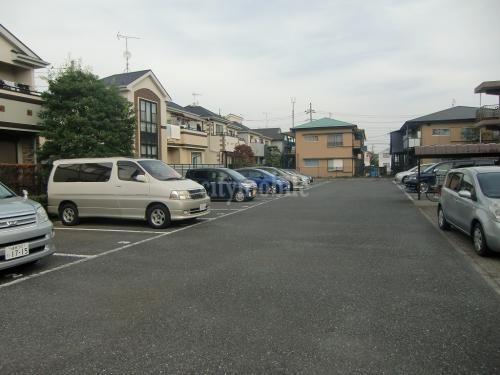 サニーコートM&K>駐車場