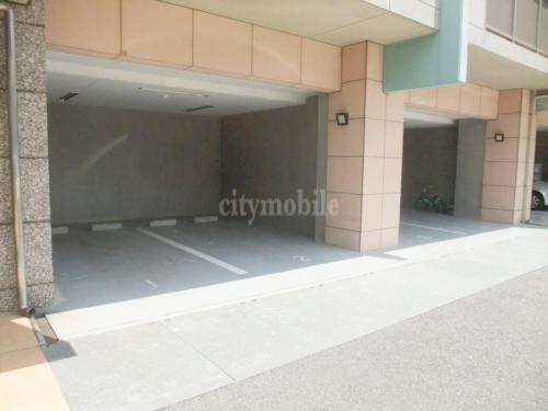 エスペランス・YAMADA>駐車場