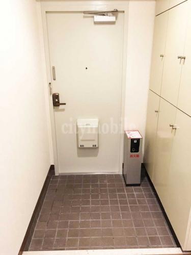 コーシャタワー佃>玄関