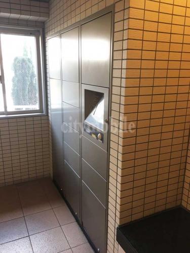 コーシャハイム東新宿>宅配ボックス