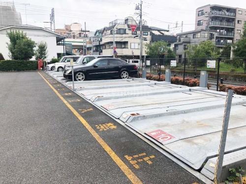 パークタウン東綾瀬>駐車場