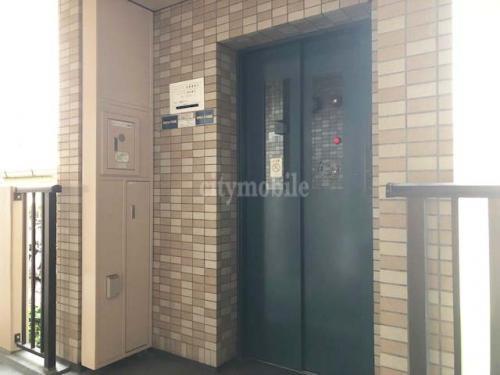 コーポレート竹の塚五丁目>エレベーター