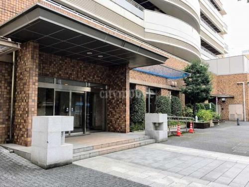 アクシス台東>入口