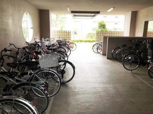 フレール西新井第二>駐輪場