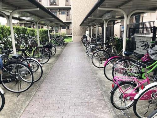 コーポレート竹の塚五丁目>駐輪場