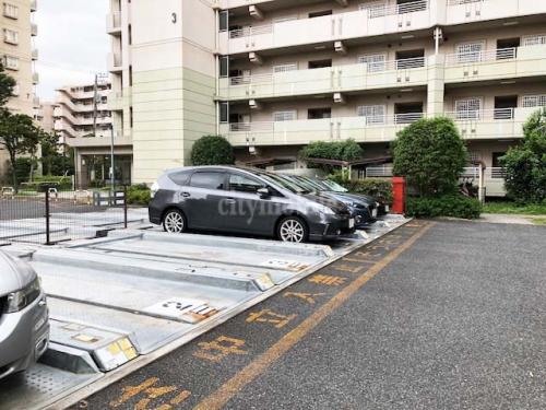 フレール西新井第二>駐車場