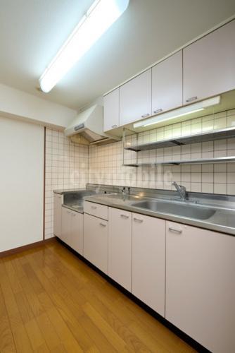 フォアフロント上北沢>キッチン
