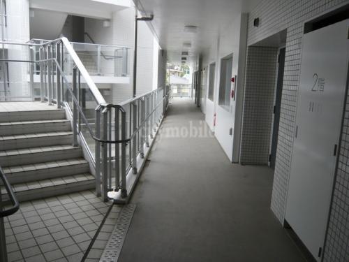 ベルジュ横濱本郷台>外廊下