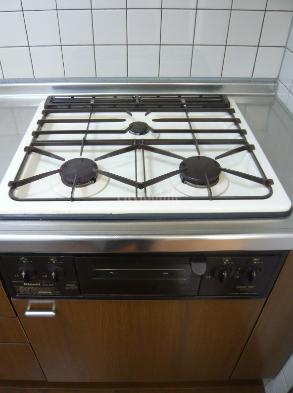 プレフォンティーヌ>システムキッチン
