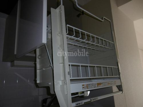 こもれび東神田>キッチン引き出し式の戸棚