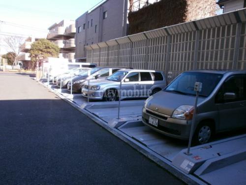 ドゥーエ南長崎>駐車場