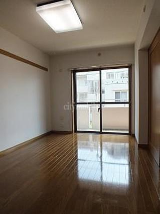 サンモール給田>洋室