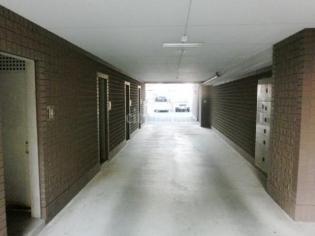 ミレニアム中野>駐車場通路