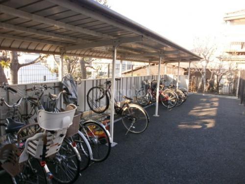 パルテ西山>駐輪場