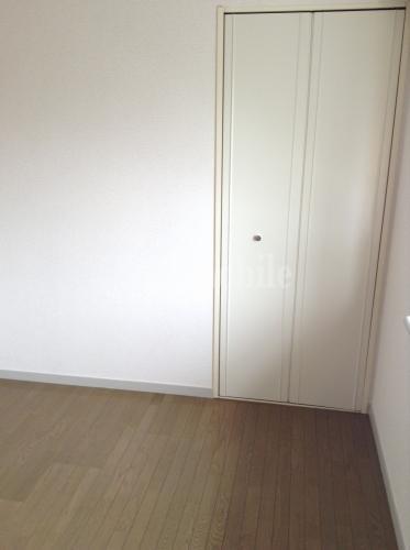 レジデンス上鷺>洋室