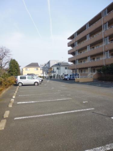 ボン・フォルテュ-ヌ>駐車場