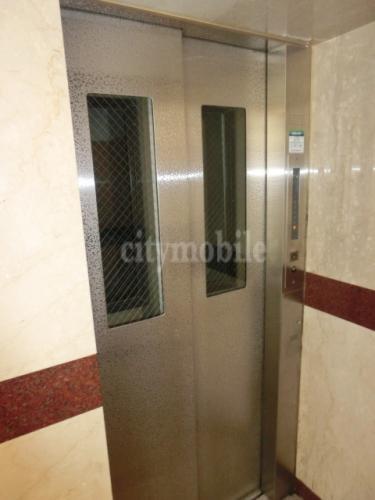 フリーダム光が丘Ⅲ>エレベーター