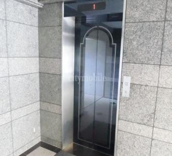 ヴィラ・バルビゾン>エレベーター
