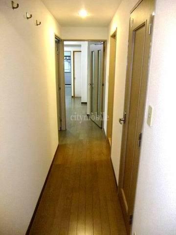 MARUNI BLDG>廊下