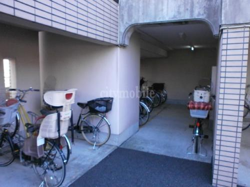 千川キャッスルピア>駐輪場