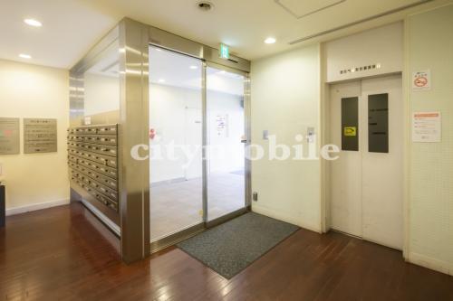 コラム南青山>エレベーター