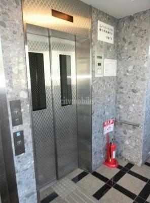 クレール・赤塚>エレベーター