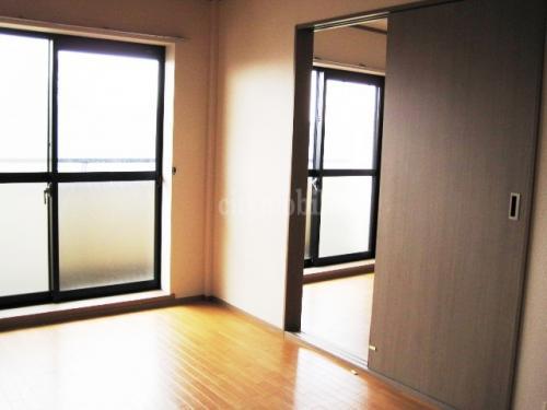 ローテローゼ>洋室