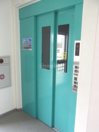 サンベルジュ東六郷>エレベーター