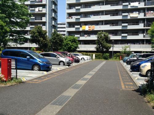 サンヴァリエ桜堤>駐車場
