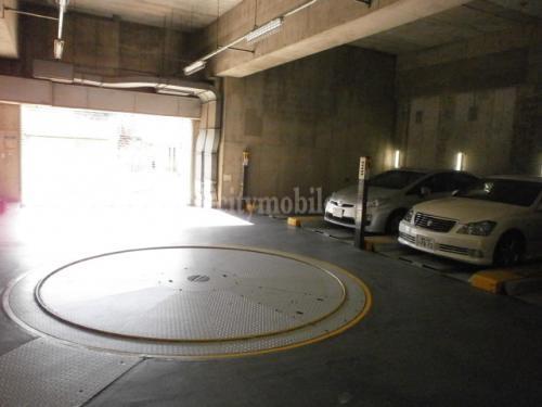 MFビル>駐車場