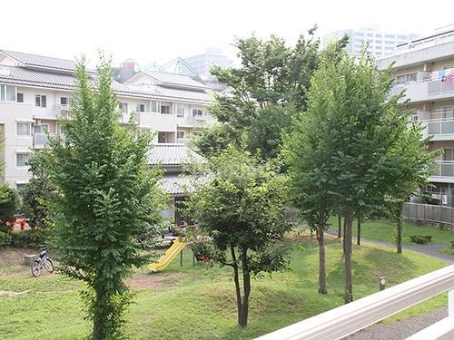 多摩ニュータウン ビューコート別所>中庭