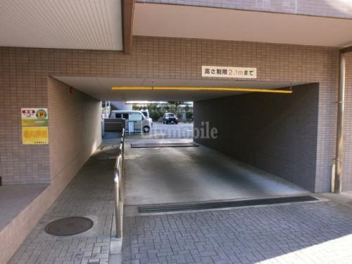 セレッソ幡ヶ谷>駐車場入り口