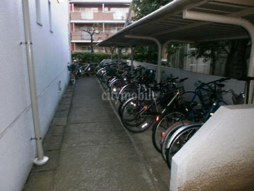 エステート北新宿>駐輪場