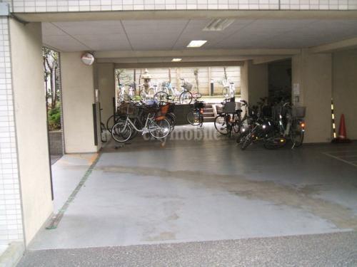 目白邸苑>駐輪場